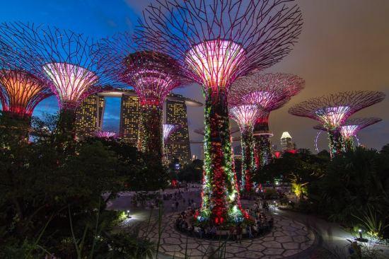 Нова година 2021 в Сингапур - градът на бъдещето